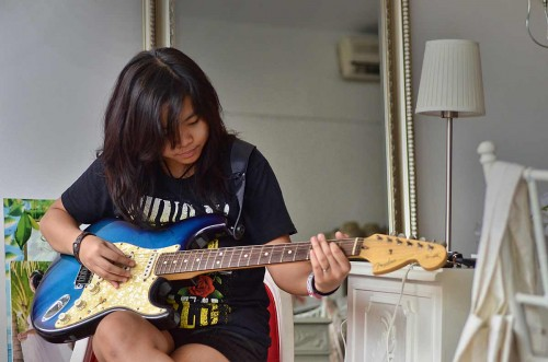My daughter Jazz has been gifted with a great voice and the skill to play guitar - much like her mom.